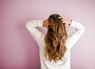 Jak dbać o włosy kręcone, by zawsze wyglądały świetnie?