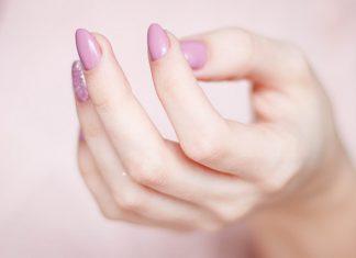 Francuskie paznokcie i inne modne stylizacje